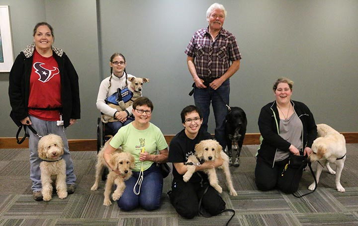 Flying To Midwest Diabetic Alert Dog Training Classes – Dogs In The